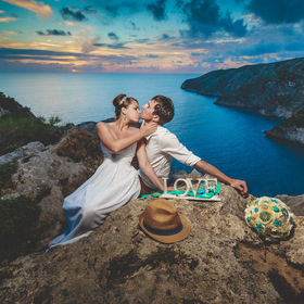 Sunset wedding session (Zakynthos, Greece)